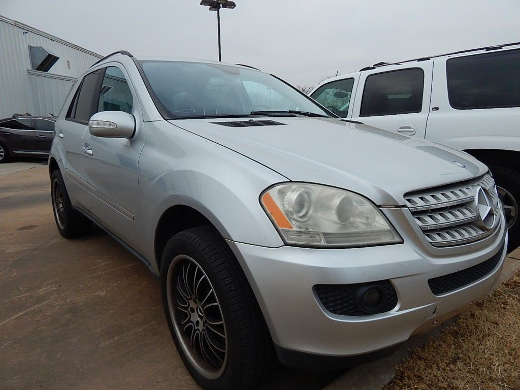 Pre-Owned 2006 Mercedes-Benz M-Class ML 500