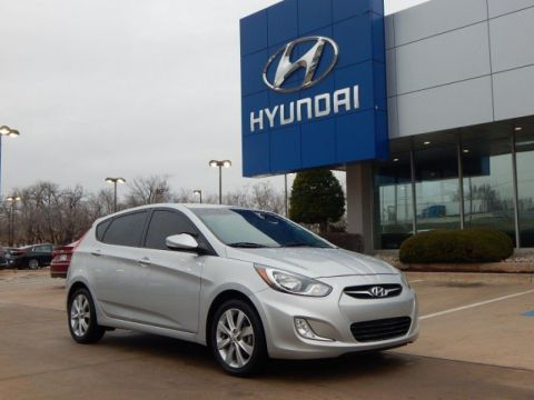 Pre-Owned 2013 Hyundai Accent SE